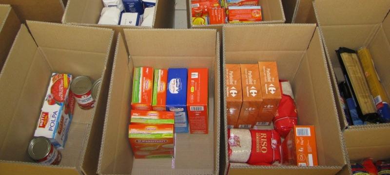 Trecento cartoni e cinquanta quintali di merce raccolti per le famiglie bisognose di Roseto