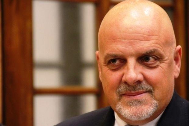Il primo cittadino Maurizio Brucchi interviene sul problema delle società Team e Ruzzo